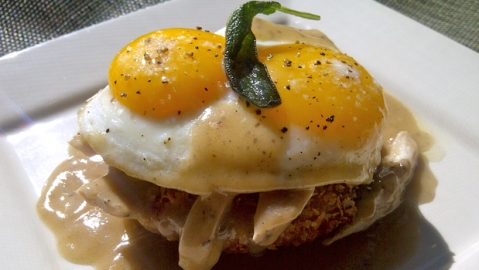 Thanksgiving Eggs Benedict - SunnyAnderson.com