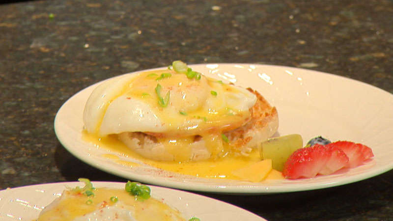 Classic Eggs Benedict With Hollandaise Sauce